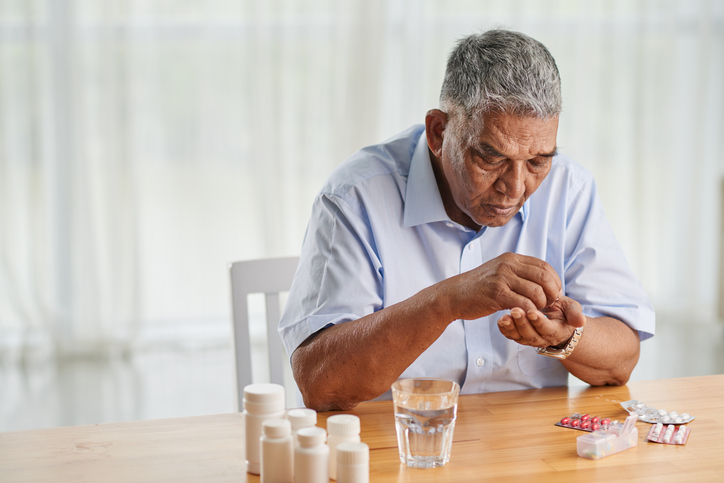 mixing medications with vitamins - home care assistance st. louis